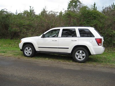 chrysler-grand-cherokee-weiss